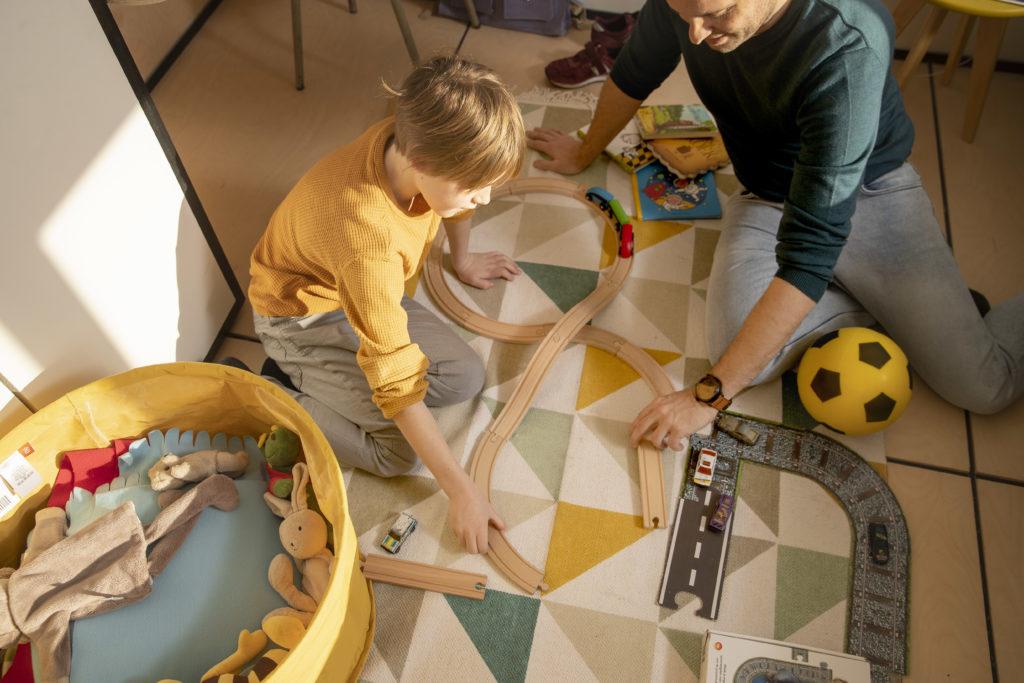 Wie man ein Kinderzimmer organisiert