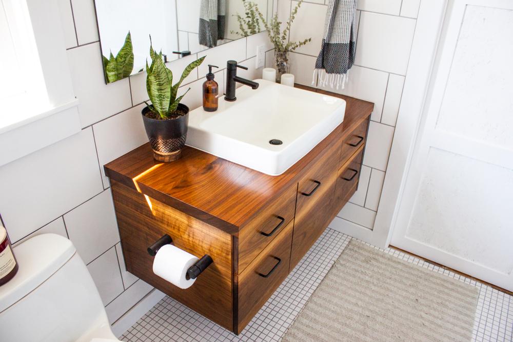 Vores bedste idéer til indretning af det lille badeværelse